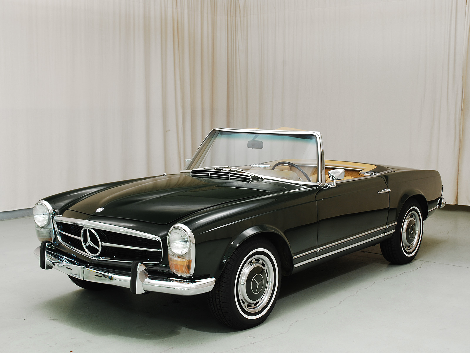 1968 mercedes benz 280sl convertible coupe hyman ltd for Mercedes benz classic cars