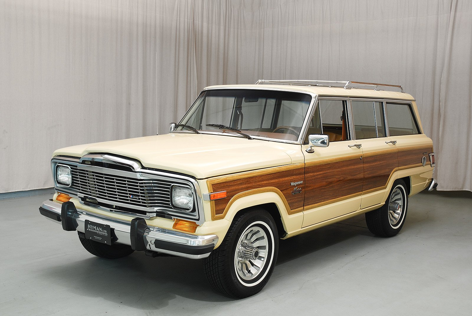 Jeep Grand Wagoneer >> 1982 Jeep 4×4 Deluxe Grand Wagoneer
