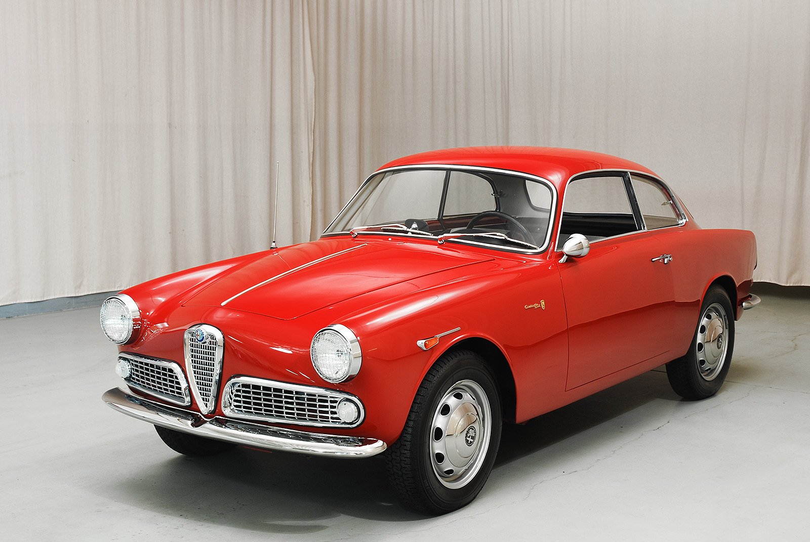 1961 alfa romeo giulietta sprint coupe hyman ltd classic cars. Black Bedroom Furniture Sets. Home Design Ideas