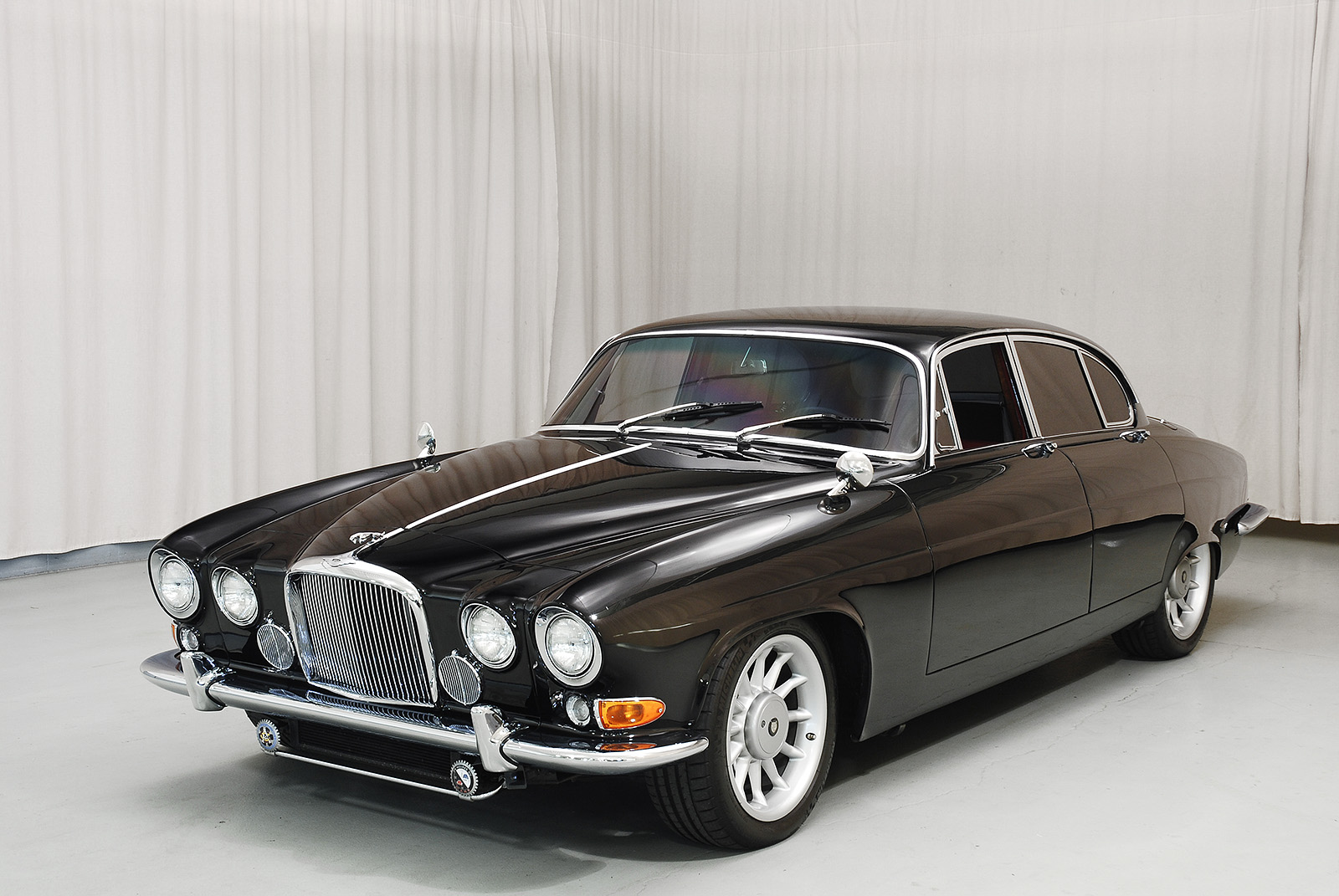 Photos Of Classic Cars Jaguar As Good Info For You