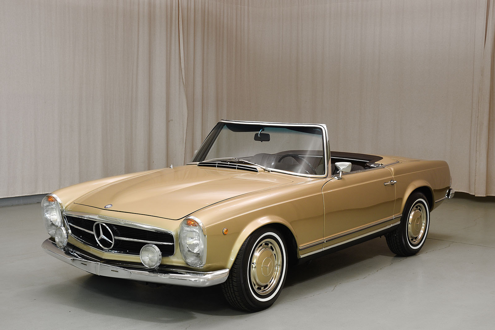 1969 mercedes benz 280sl convertible hyman ltd classic cars for Cars of mercedes benz