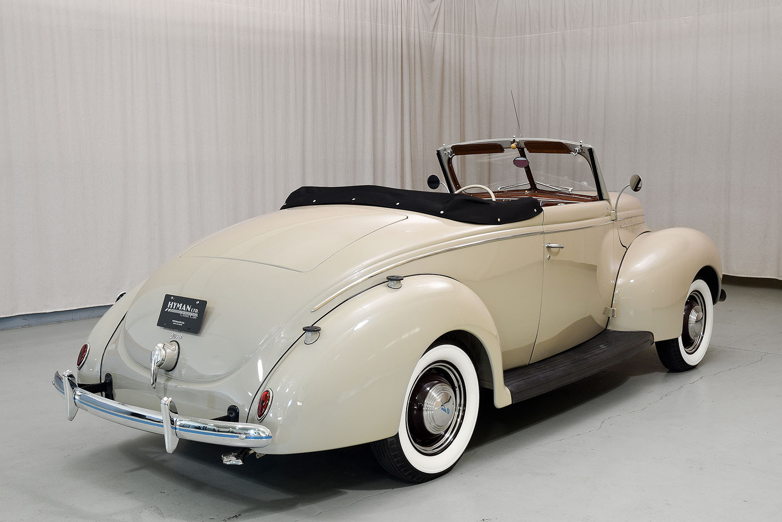 1939 Ford Deluxe Convertible | Hyman Ltd. Classic Cars - photo#26
