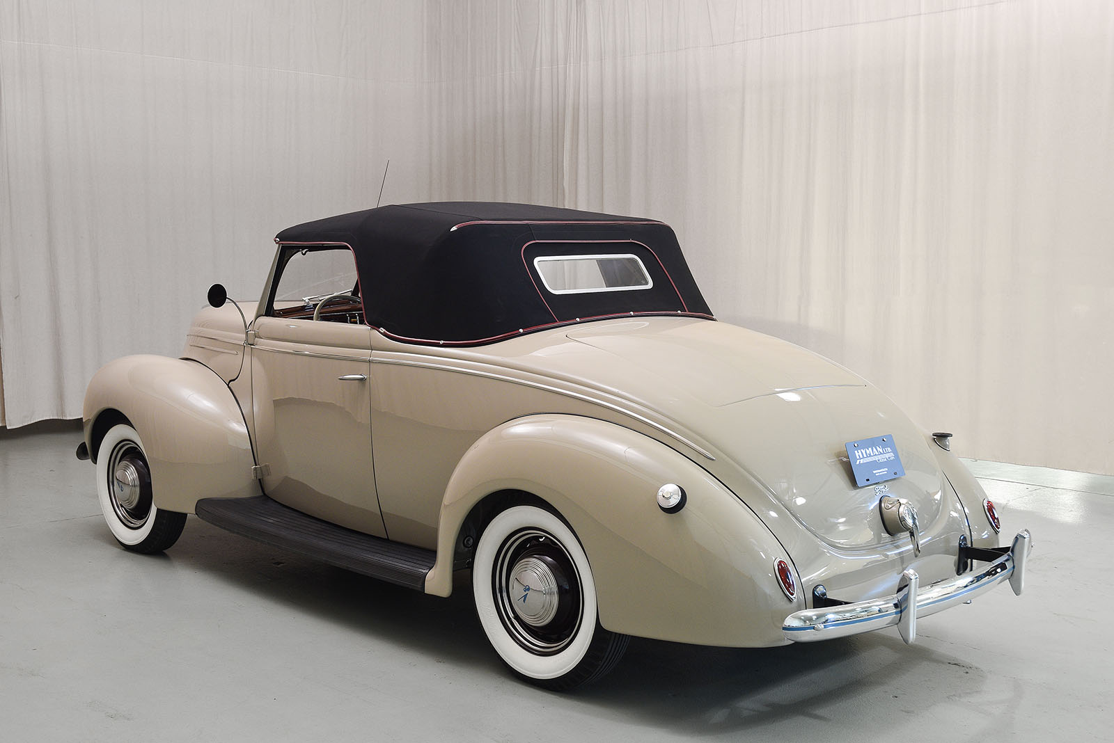 Johnny Depp Corvette moreover Large further Px Packard Twelve Presidential Car Top Toyota Automobile Museum moreover  besides Passenger Side. on 1939 lincoln car