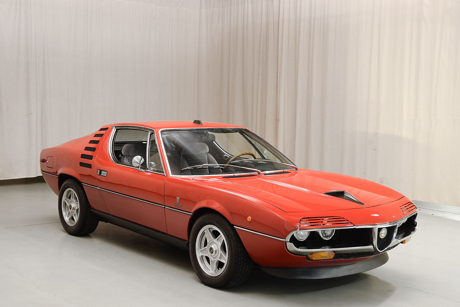 1974 alfa romeo montreal coupe hyman ltd classic cars. Black Bedroom Furniture Sets. Home Design Ideas