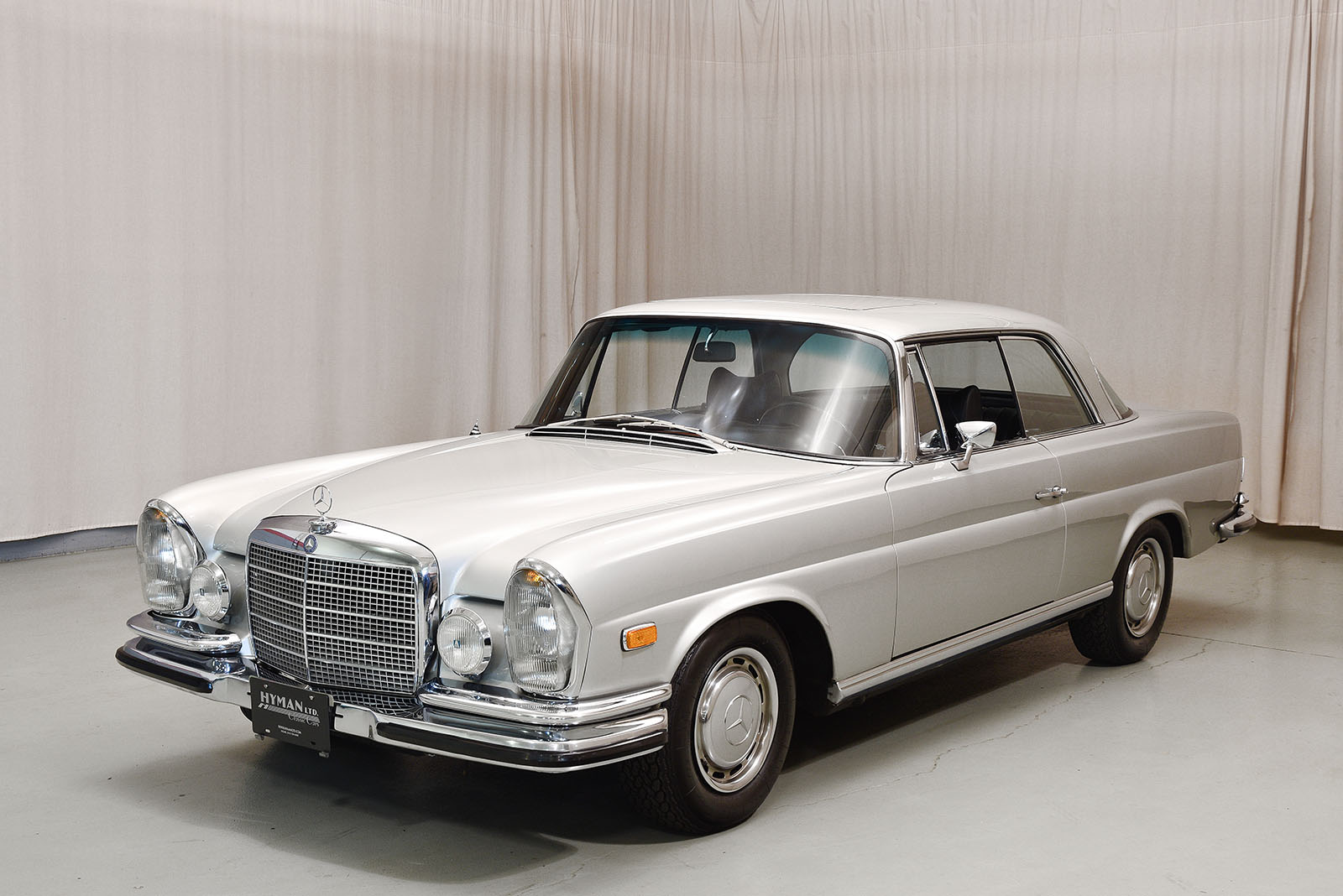 1970 mercedes benz 280se 3 5 coupe hyman ltd classic cars. Black Bedroom Furniture Sets. Home Design Ideas