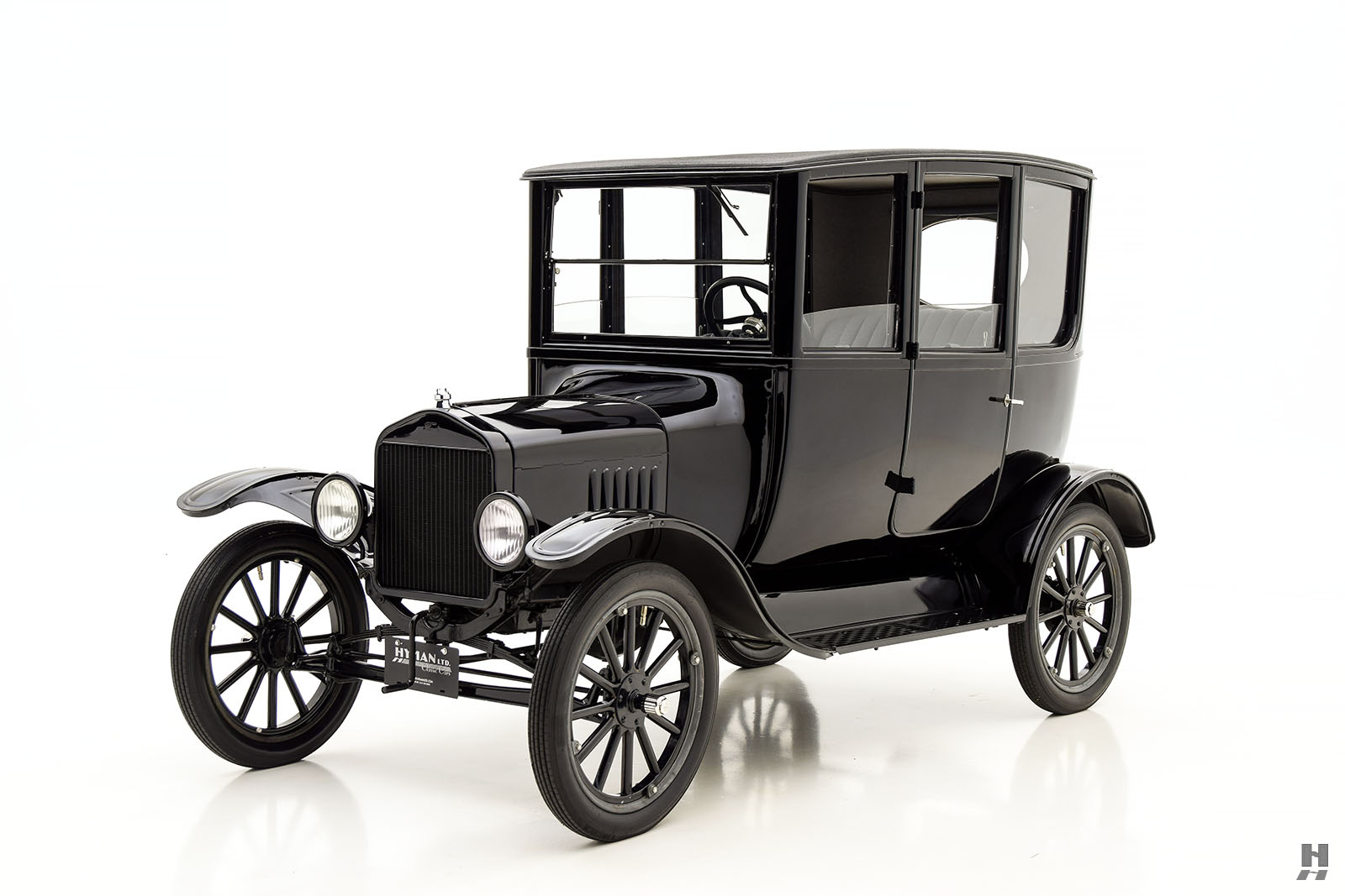 1921 Ford Model T Center Door Sedan For Sale | Classic Cars | Hyman LTD