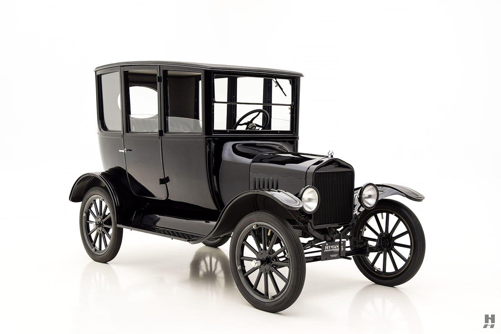 1921 ford model t center door sedan for sale classic. Black Bedroom Furniture Sets. Home Design Ideas