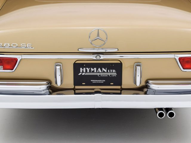 1969 Mercedes-Benz 280SE Cabriolet For Sale at Hyman LTD