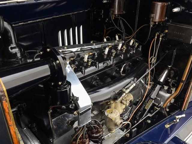 1921 Pierce Arrow Model 32 Vestibule Suburban For Sale at Hyman LTD