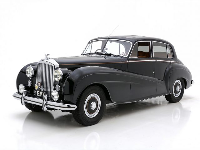 1951 Bentley Mark VI Mulliner Lightweight Sports Saloon For Sale at Hyman LTD