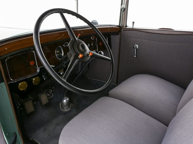 1931 Packard 833 5p Coupe For Sale at Hyman LTD