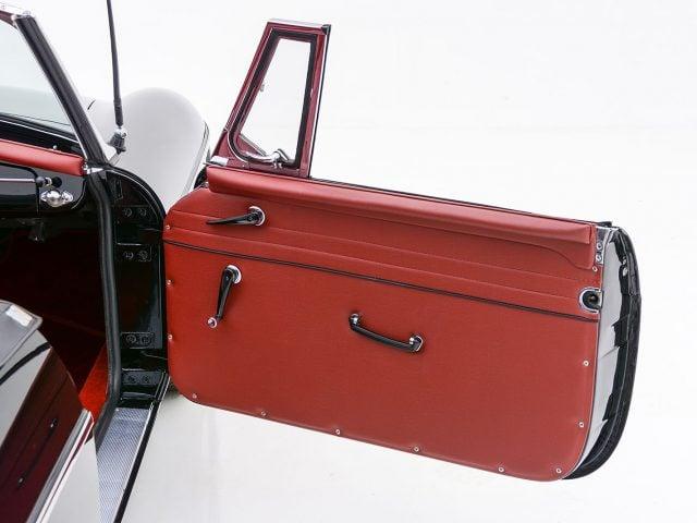 1963 MG MGB Roadster For Sale at Hyman LTD