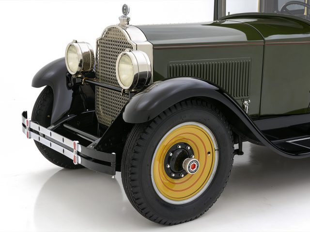 1928 Packard 526 Sedan For Sale at Hyman LTD