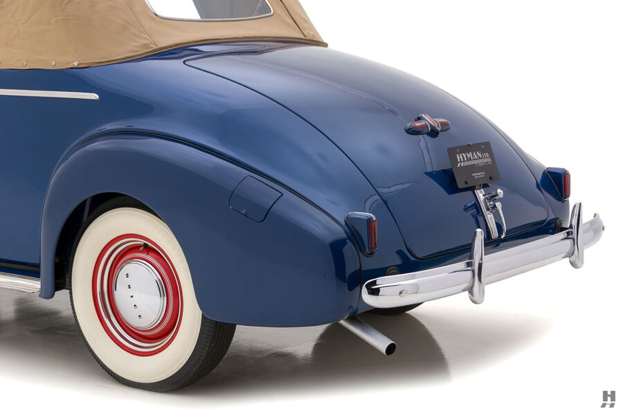 Close up of side view of back end on 1939 Buick Convertible car for sale at Hyman consignment dealers in the Midwest