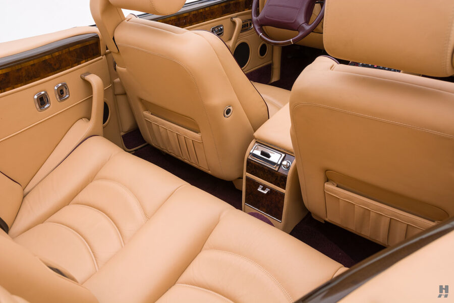 Interior View of Classic 2001 Bentley Car For Sale at Hyman in St. Louis, Missouri
