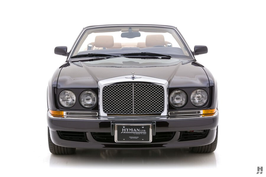 Front of Old 2001 Bentley Car For Sale at Hyman Automobiles in St. Louis