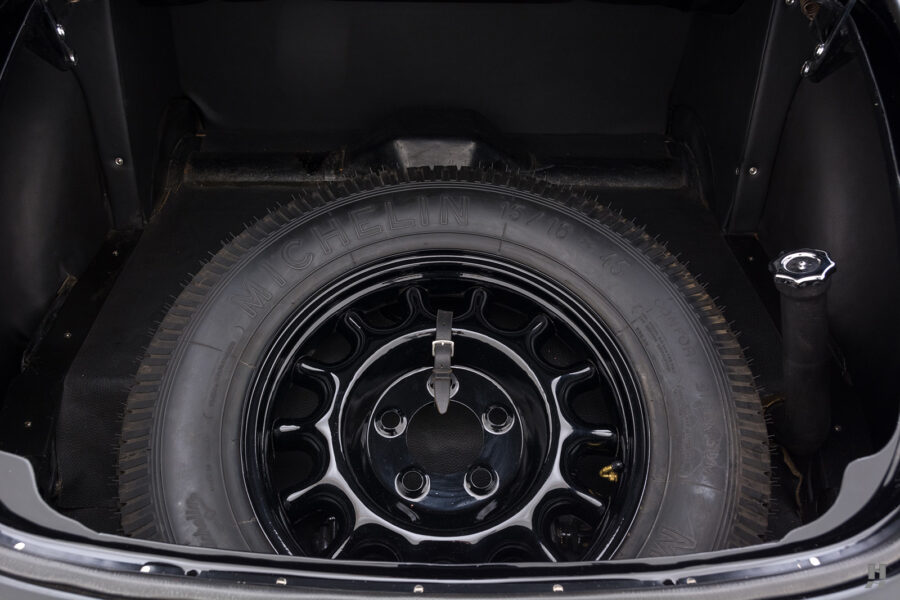 spare tire of vintage 1938 lancia austura car for sale at Hyman
