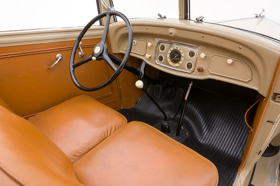 Image of Front Seat of Chrysler Classic Car for Sale at Hyman Dealership