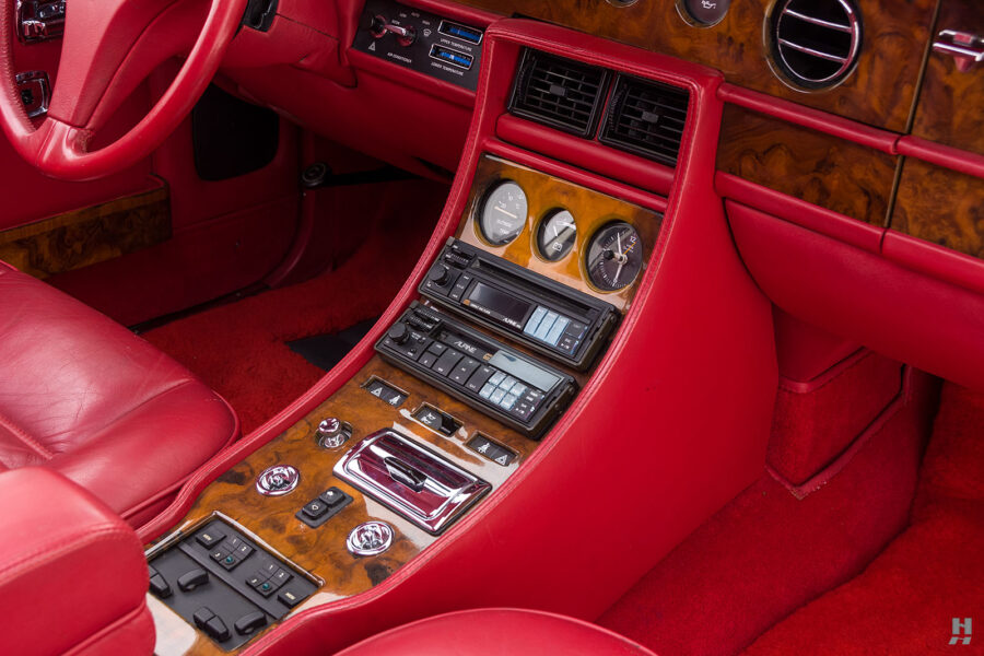 radio and controls on old bentley turbo for sale at hyman classic cars