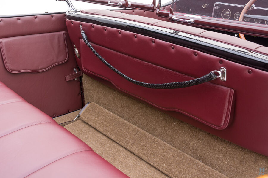 Close Up of Divider Between Front and Back Seats on Classic 1929 Buick Car