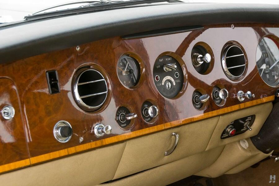 Dashboard view of vintage 1975 Rolls-Royce Phantom model for sale at Hyman car dealers in St. Louis, Missouri
