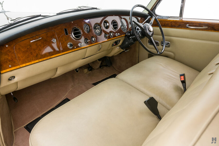 Front seats in vintage 1975 Rolls-Royce Phantom model for sale - find more classic cars at Hyman consignment dealers in St. Louis