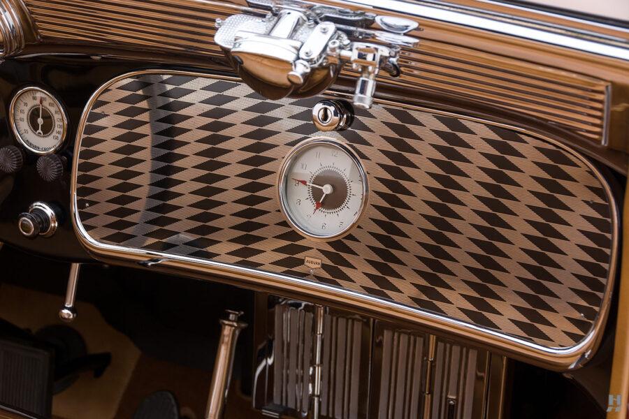 speedometer on old 1935 auburn convertible sedan for sale at hyman classic cars