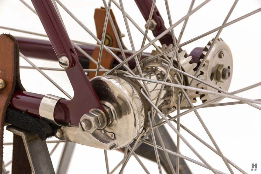 close up of gears on vintage 1901 thomas auto bike for sale at hyman