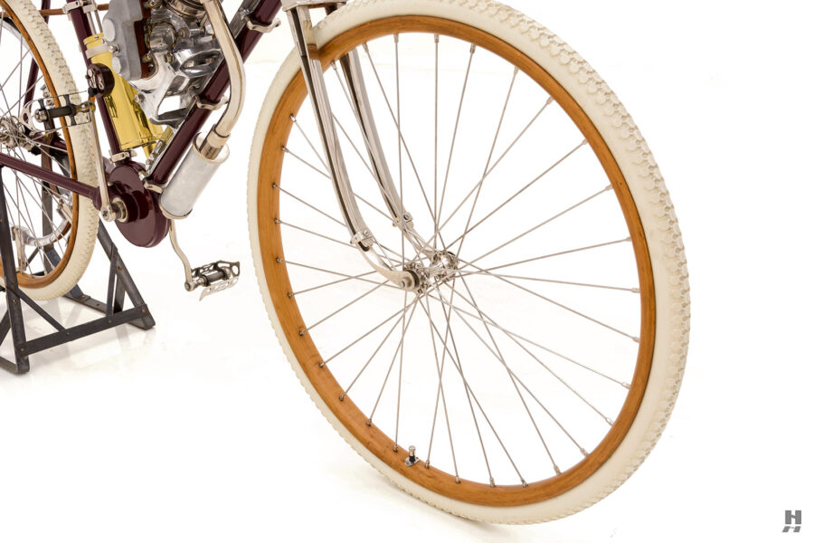 front tire on vintage 1901 thomas auto bike for sale at hyman